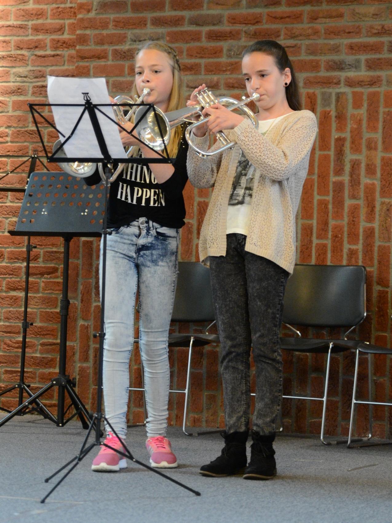 7-Lianne en Wietske-1