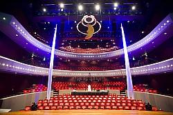 Foto's van en voor theater de Tamboer in Hoogeveen.